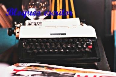 typewriter-881031317_1920